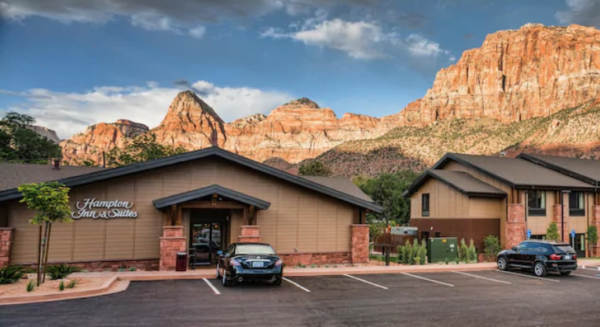 Hampton Hotel with Zion Mountians in the background